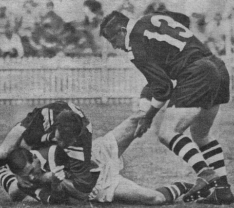 Noel Kelly and Ken Stonestreet tackling @ SCG