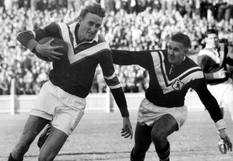 1960 Wests v Easts @ SCG Straw Andrews with ball.