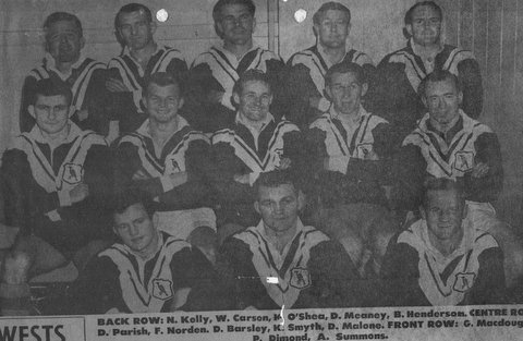 1962 Wests team photo before Saints game B. Henderson in team