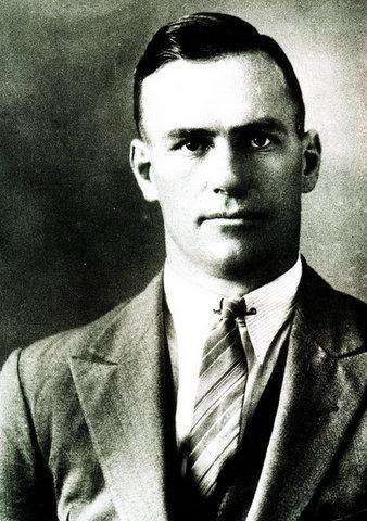 1935 8