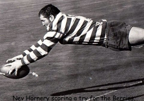 Nev Hornery scoring try picture in Berries jumper